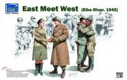 1/35 East meets west Elbe 1945